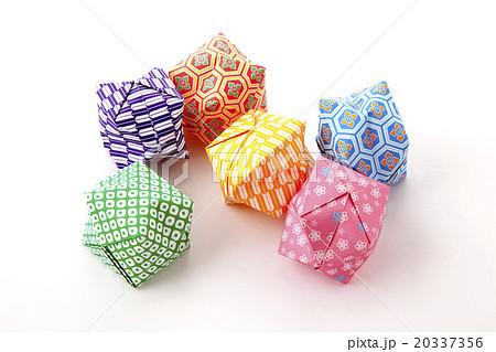 ハート 折り紙 : 和柄 折り紙 : pixta.jp