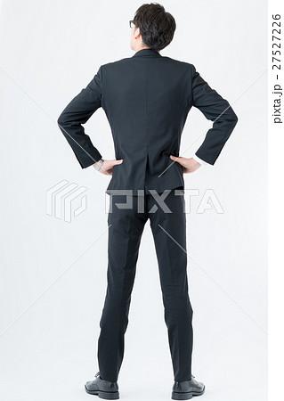 人物 男性 スーツ 後姿の写真素材 Pixta